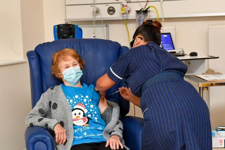 بريطانيا تبدأ حملة التلقيح ضد فيروس كورونا