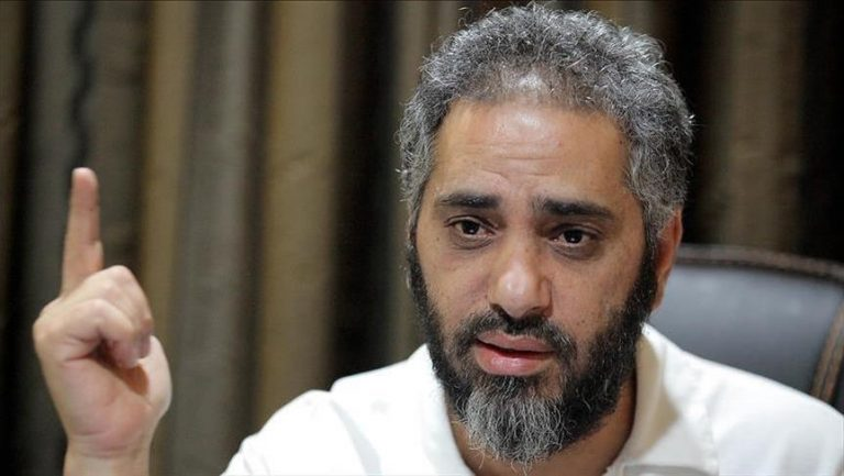 حكمان بالسجن 22 عاما بحق الفنان فضل شاكر بتهمة الإرهاب وتمويله
