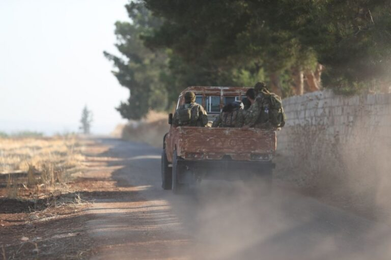 تحرير الشام تعتقل نازحين وناشطا إعلاميا في إدلب