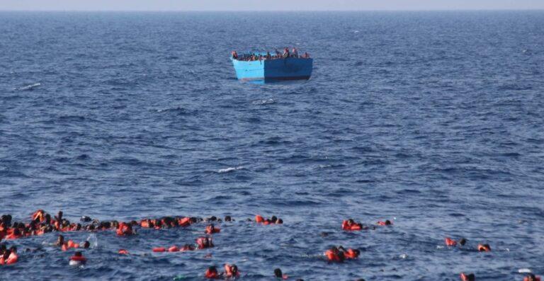 مصرع 41 مهاجرا في غرق قارب قبالة السواحل التونسية